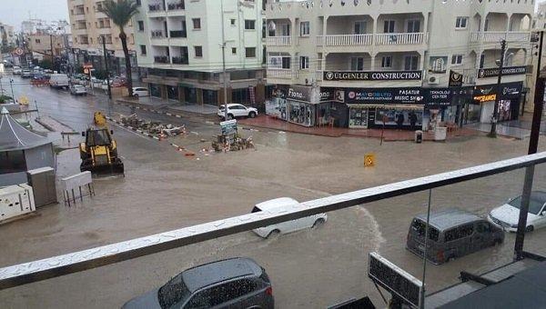 Наводнение на дорогах в Фамагусте